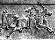 Archer assyrien à cheval